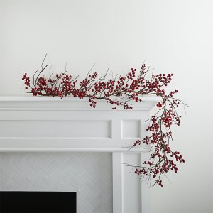 red-berry-garland